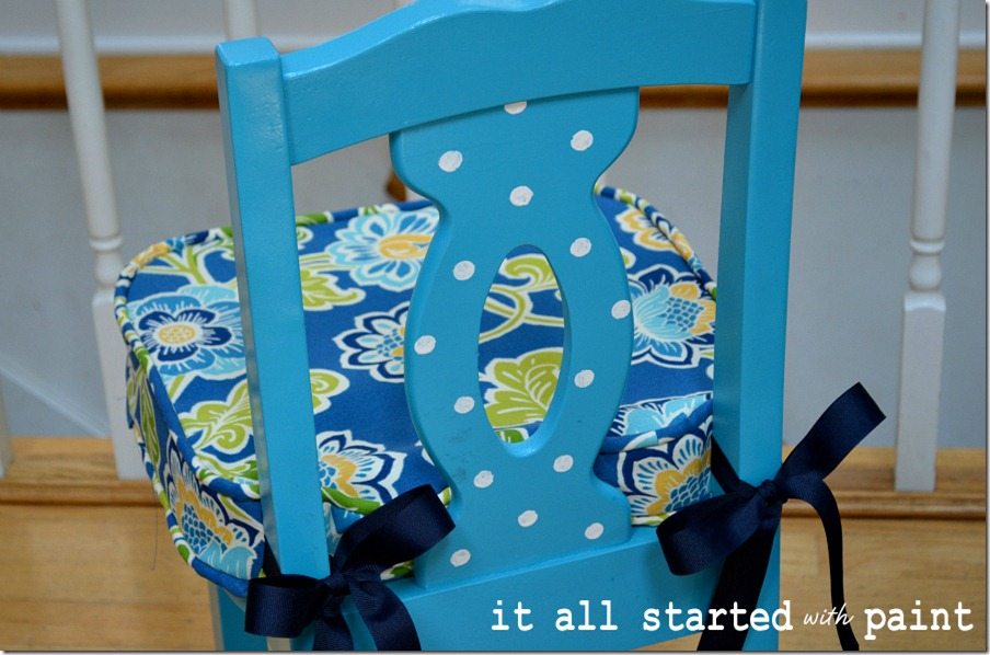 turquoise-polka-dot-child-chair