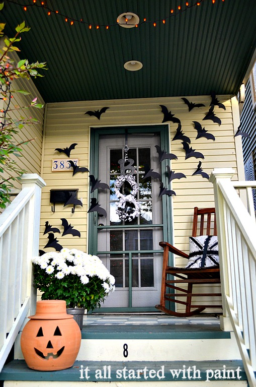 bats halloween front door decoration - Bat Halloween Decorations