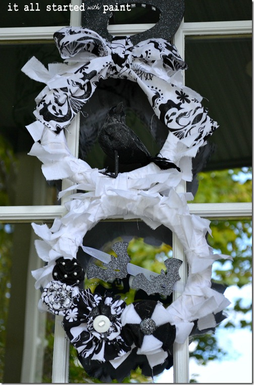boo-wreath-with-bats-and-crow-final