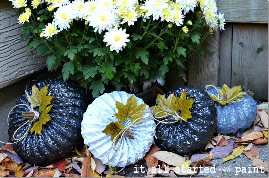 fall-spray-paint-display-dryer-sheet-pumpkins-and-mums