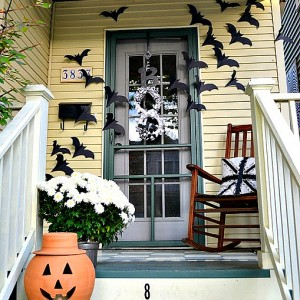 if it ain't broke … bats on the door decor