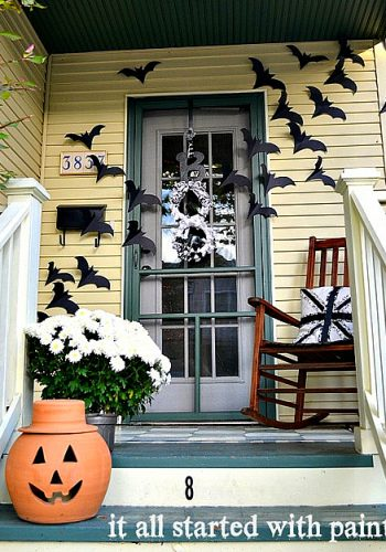 if it ain't broke … bats on the door decor