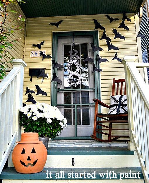 Door Decors: Halloween Front Door Idea