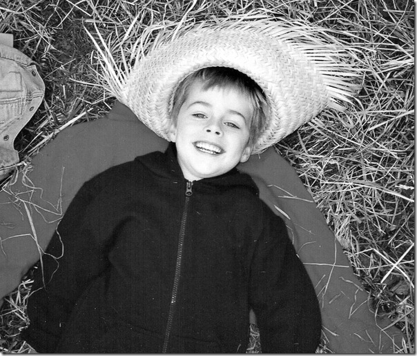 halloween-hay-ride-black-and-white