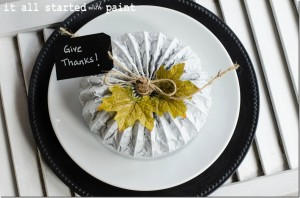 chalkboard chargers & giving thanks