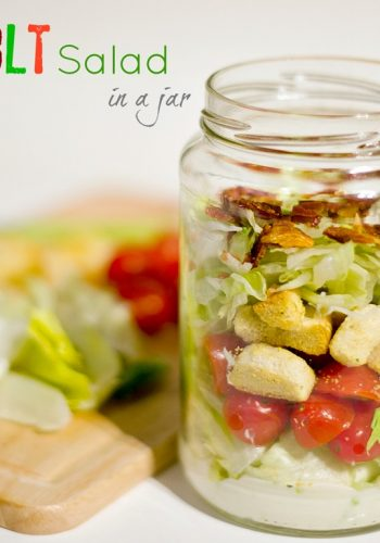 blt-salad-in-jar
