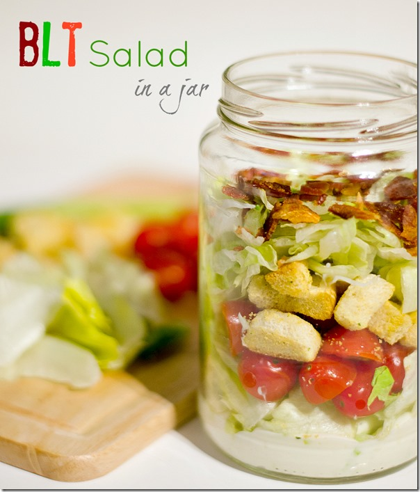salad-in-mason-jar-blt-salad