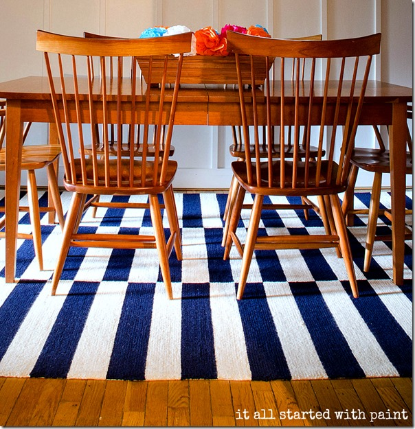 dining-room-blue-white-stripe-rug-like-nate-berkus-chicago-apartment