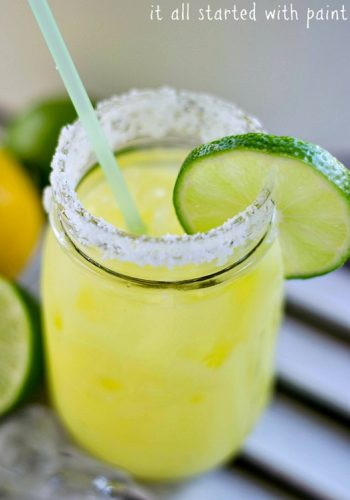Low-cal margarita … in a mason jar, of course