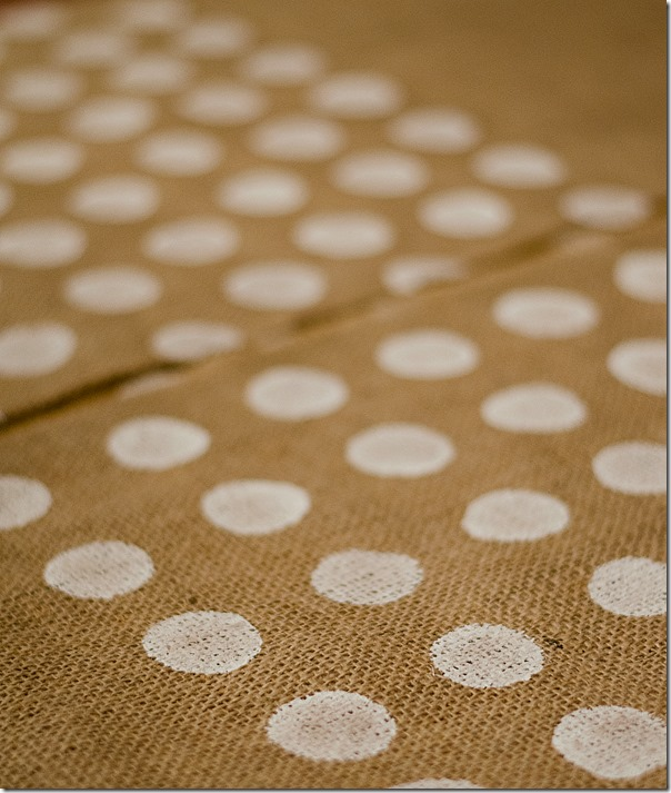 Burlap-Pillow-Painted-Polka-Dot-How-To-12
