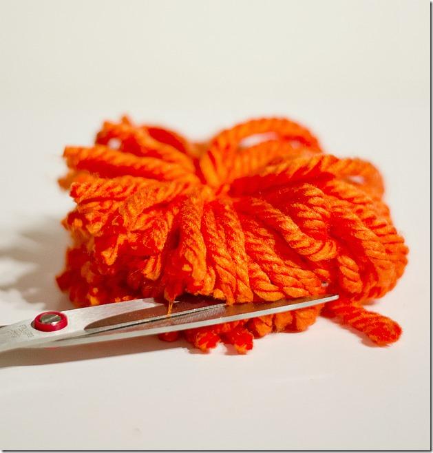 pom-pom-pumpkin-15