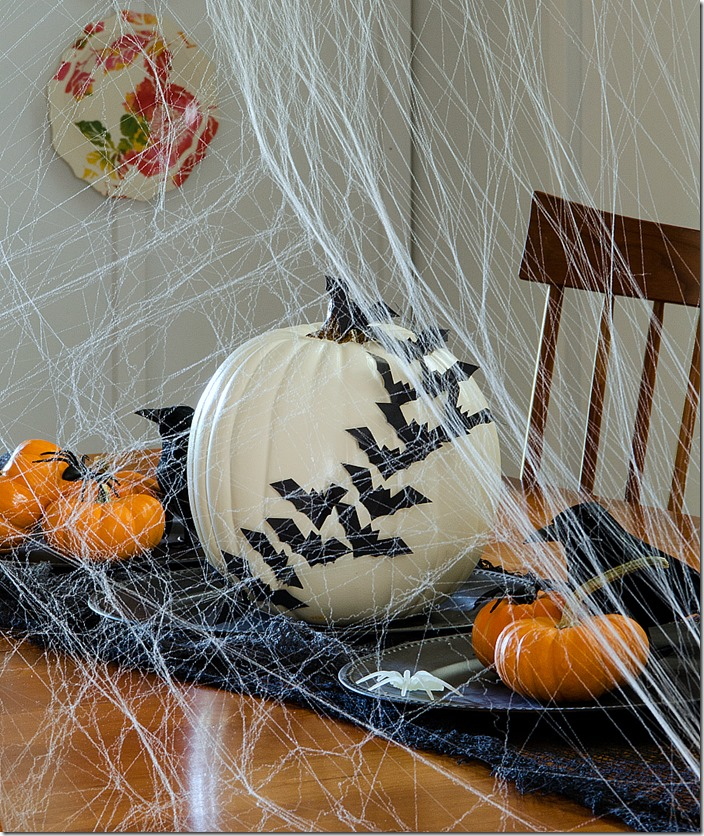 Halloween-Decorations-Dining-Room-5
