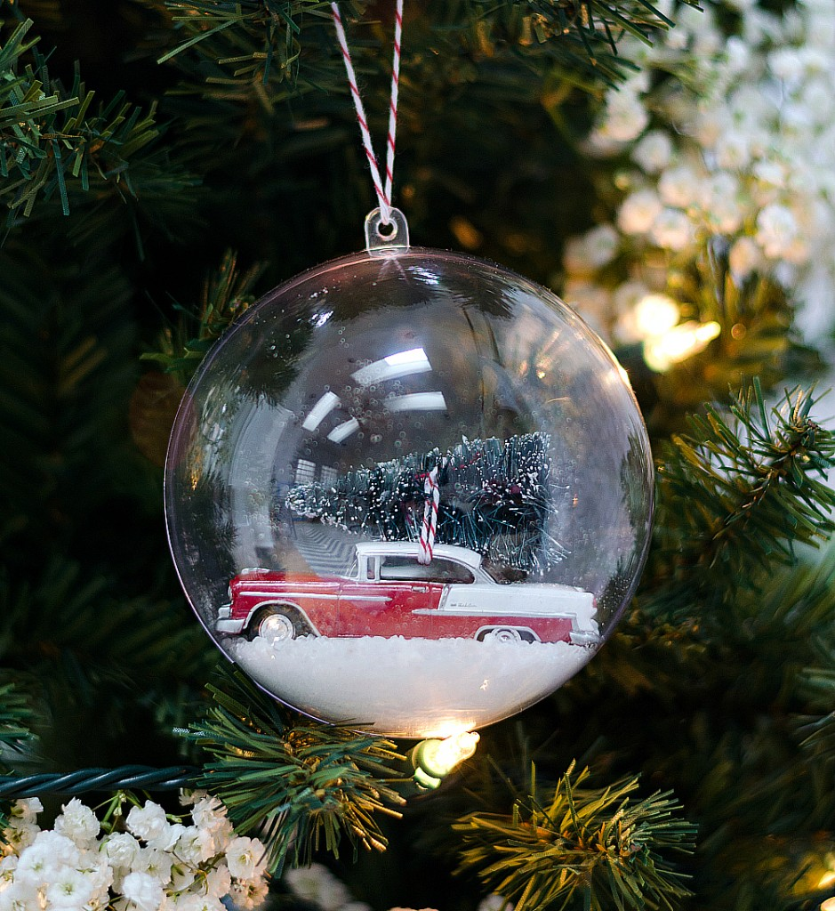Glass globe ornaments - Snow Globe Ornament Ideas
