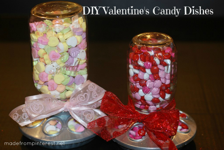 Make-these-darling-Valentines-Candy-Dishes-with-mason-jars-and-chick-feeders-1024x685