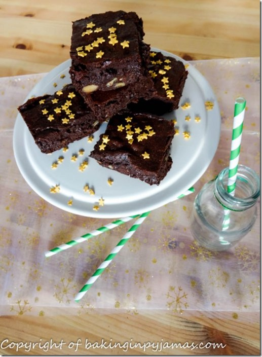 ooey-gooey-soft-and-chewy-mincemeat-brownies-1