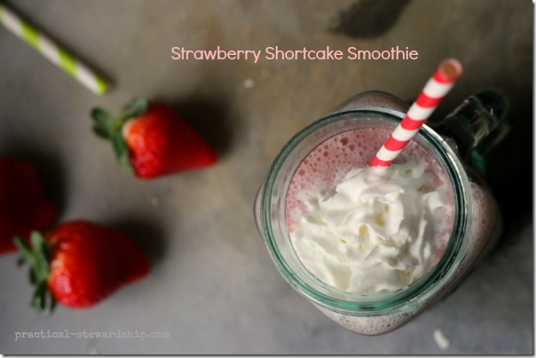 Strawberry-Shortcake-Smoothie-with-Strawberries