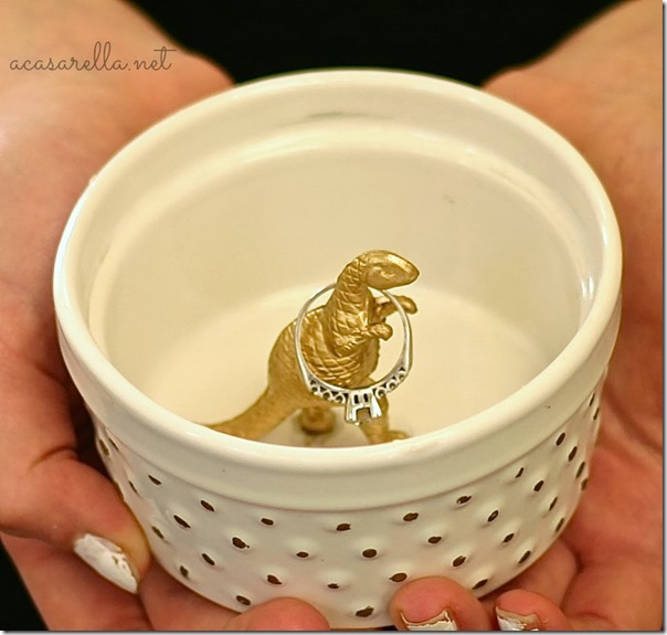 gold-painted-dinosaur-dish