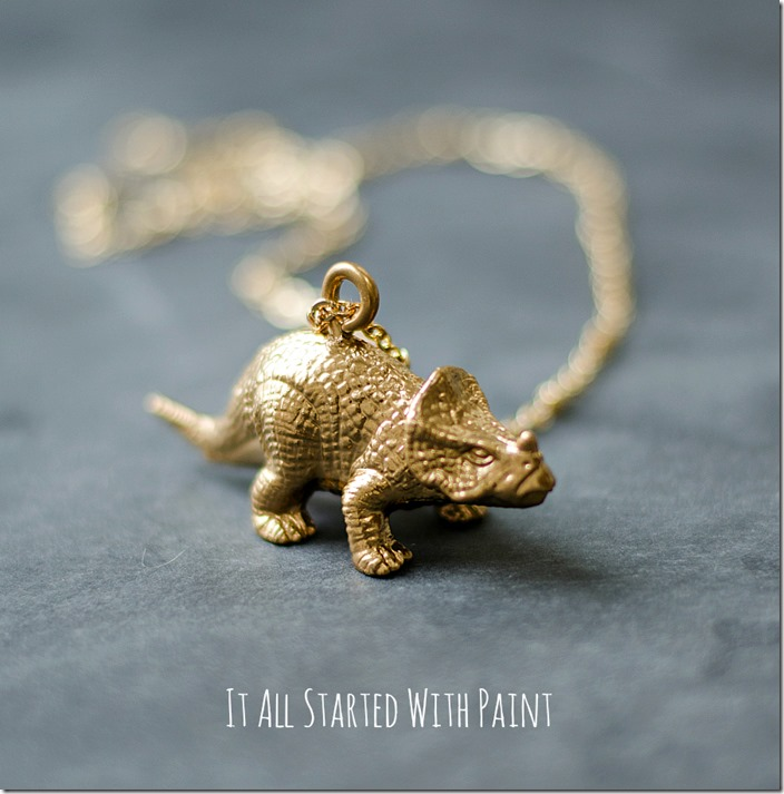 gold-painted-dinosaur-necklace-3 2