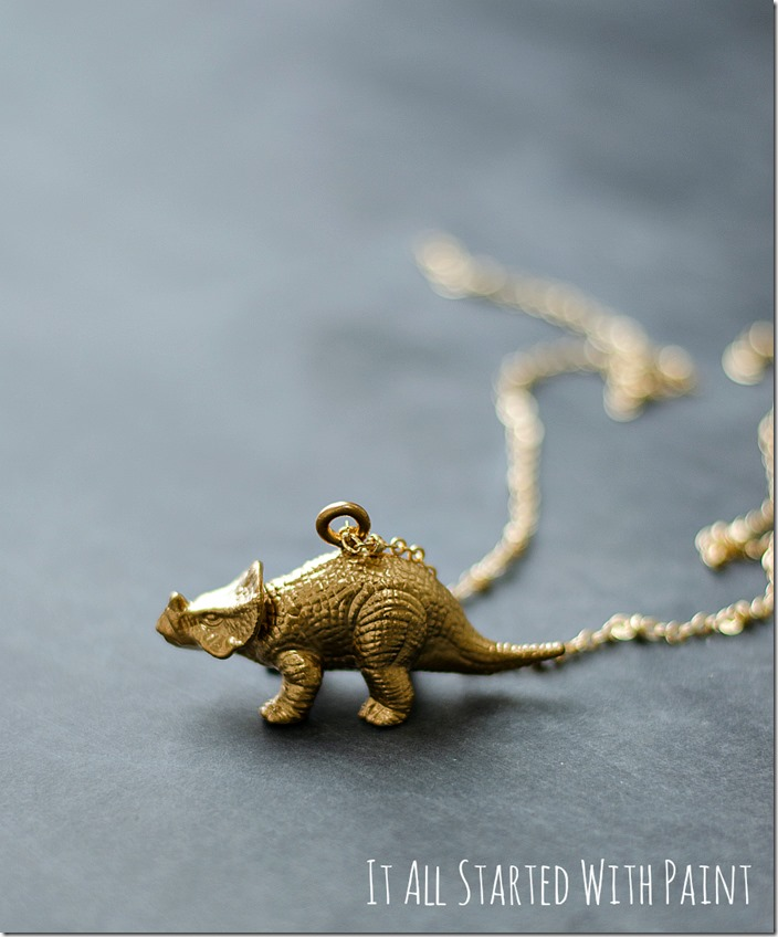 gold-painted-dinosaur-necklace-8 2