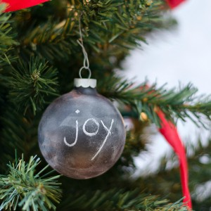 chalkboard-paint-ornament-ball 2