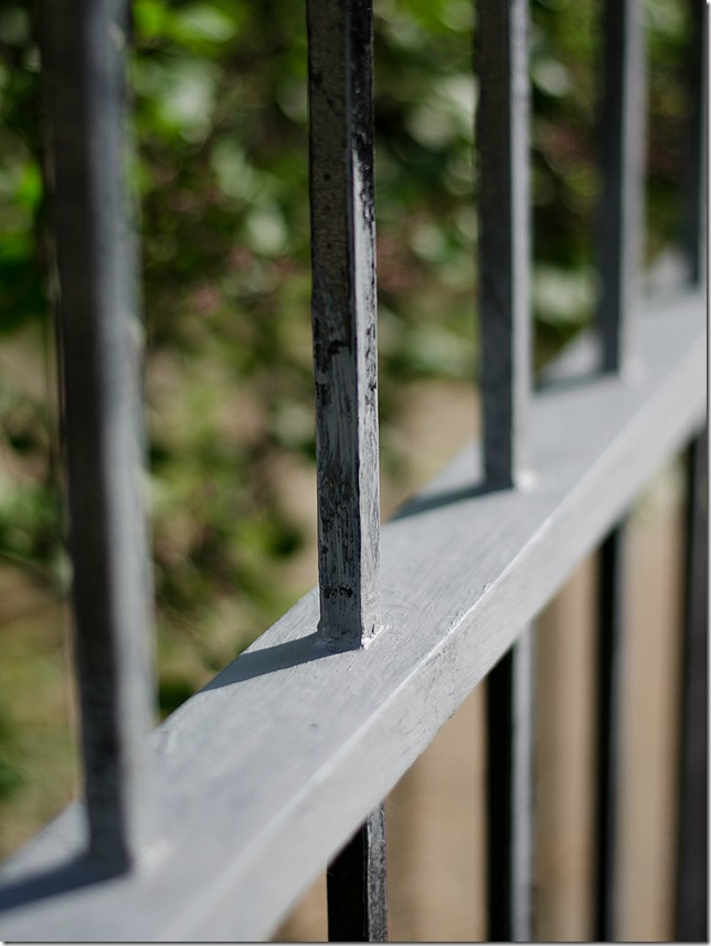 how-to-paint-wrought-iron-fence-7