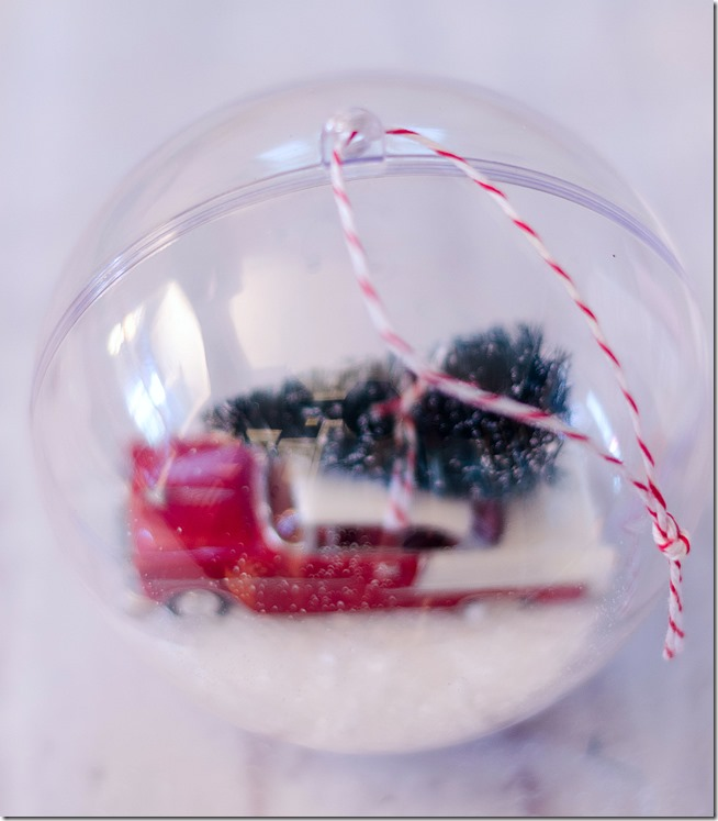 snow-globe-ornament-car-with-bottle-brush-tree-7