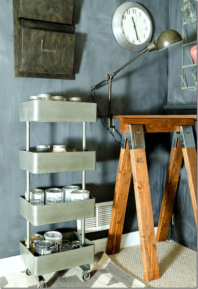 chalkboard-wall-sawhorse-desk-office-space-19