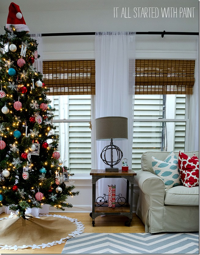 red-white-blue-christmas-family-room-decor