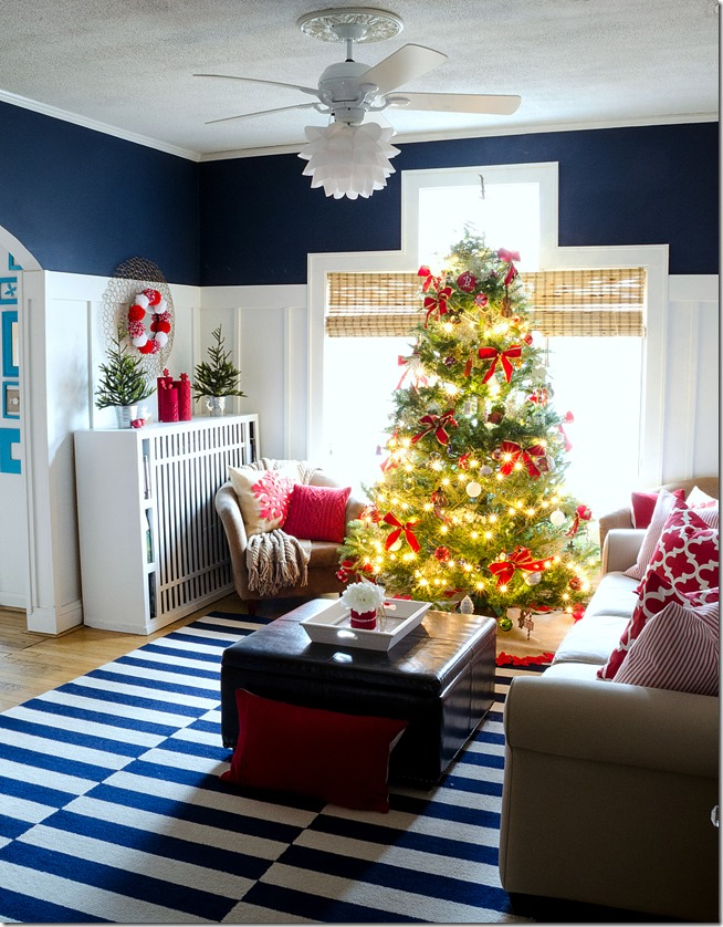 The Living Room. Red White Christmas Decorations Ideas Part 42