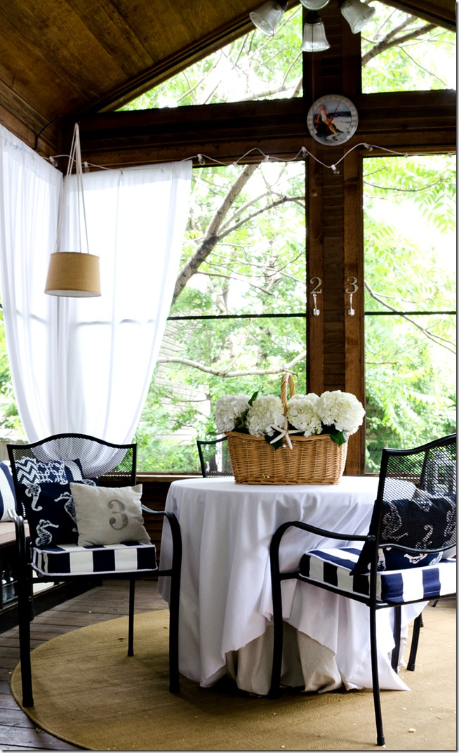 navy-white-outdoor-porch-12