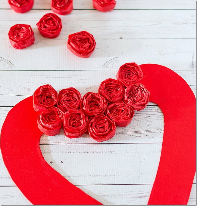 tissue-paper-rosette-valentine-day-wreath-21