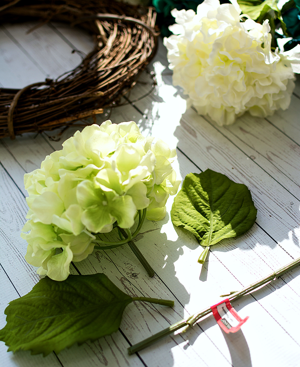 hydrangea-wreath-how-to-make 2 (2 of 6)