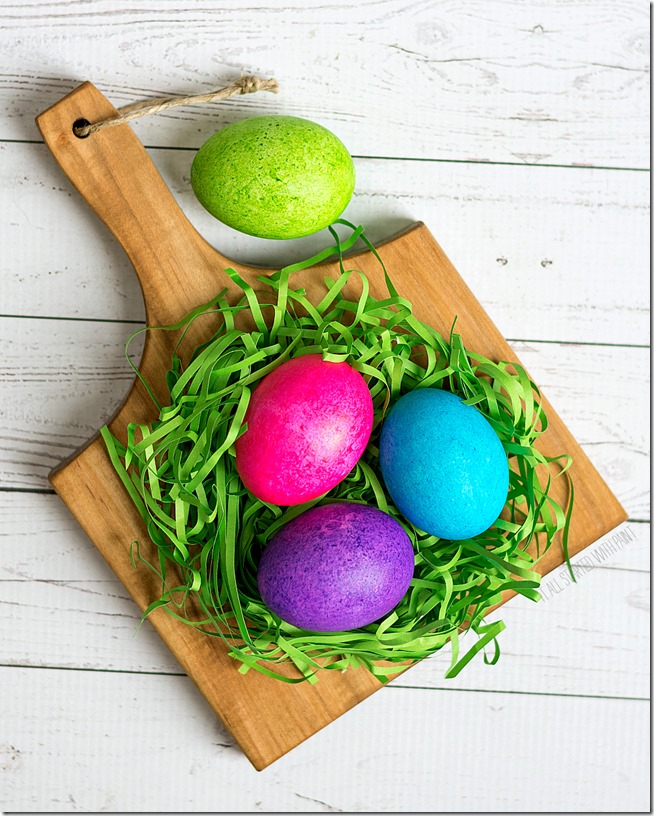 color-easter-eggs-with-rice-and-food-coloring (11 of 21) 2