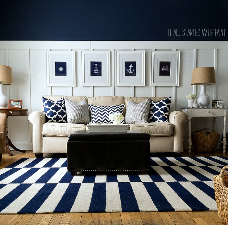 Coastal Living Room Decor Ideas in Navy & White