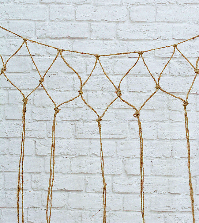 Fishnet DIY: How To Make A Decorative Fishnet