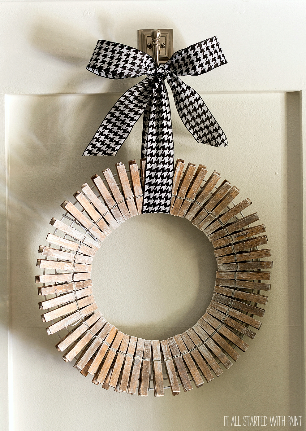 Clothespin Wreath Painted Driftwood Look