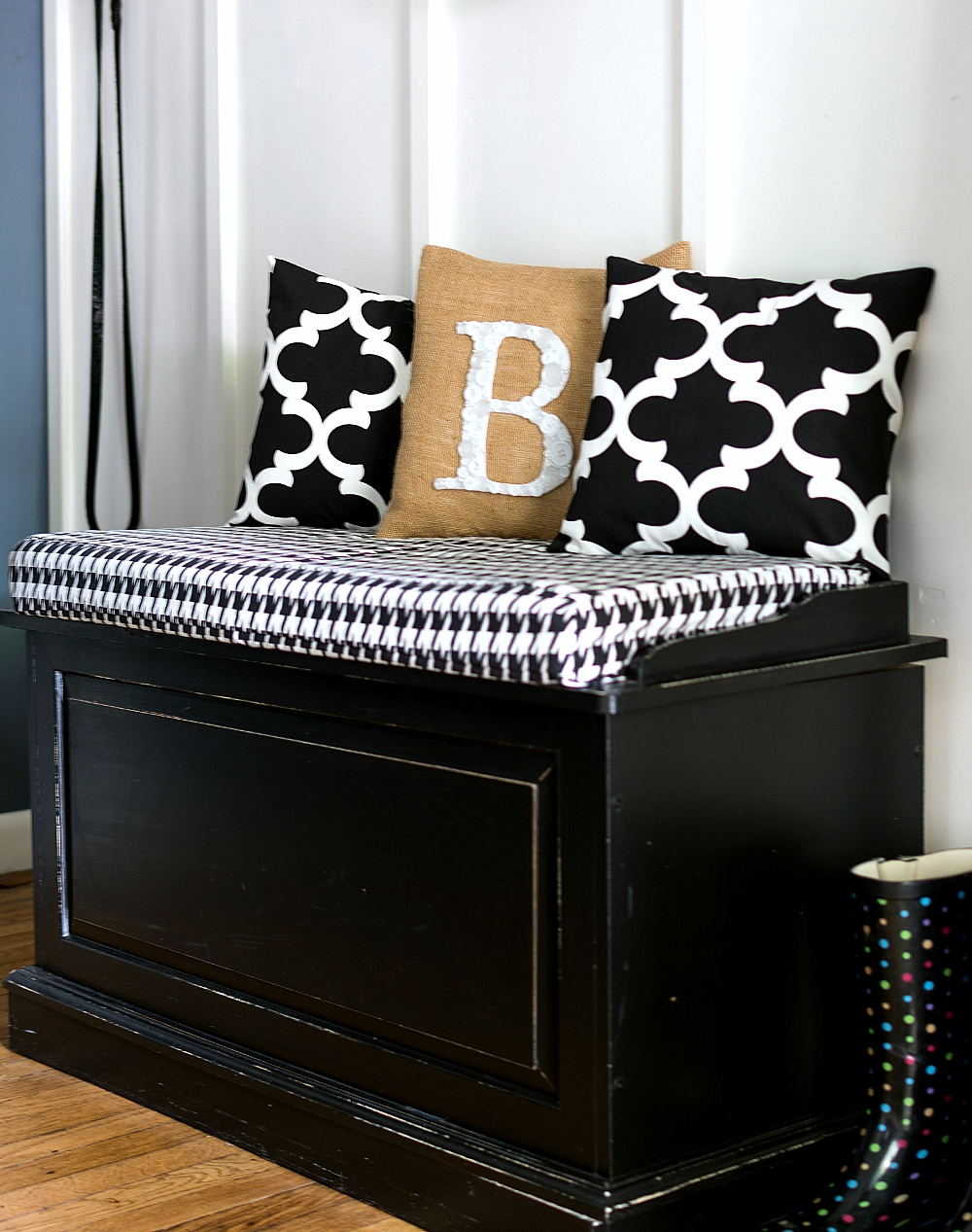 Black Bench with Houndstooth Black & White Fabric and pillows