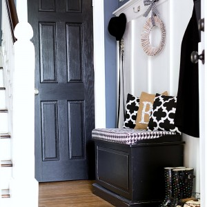 Black, White & Burlap Decor and Fabrics in Entry for Fall