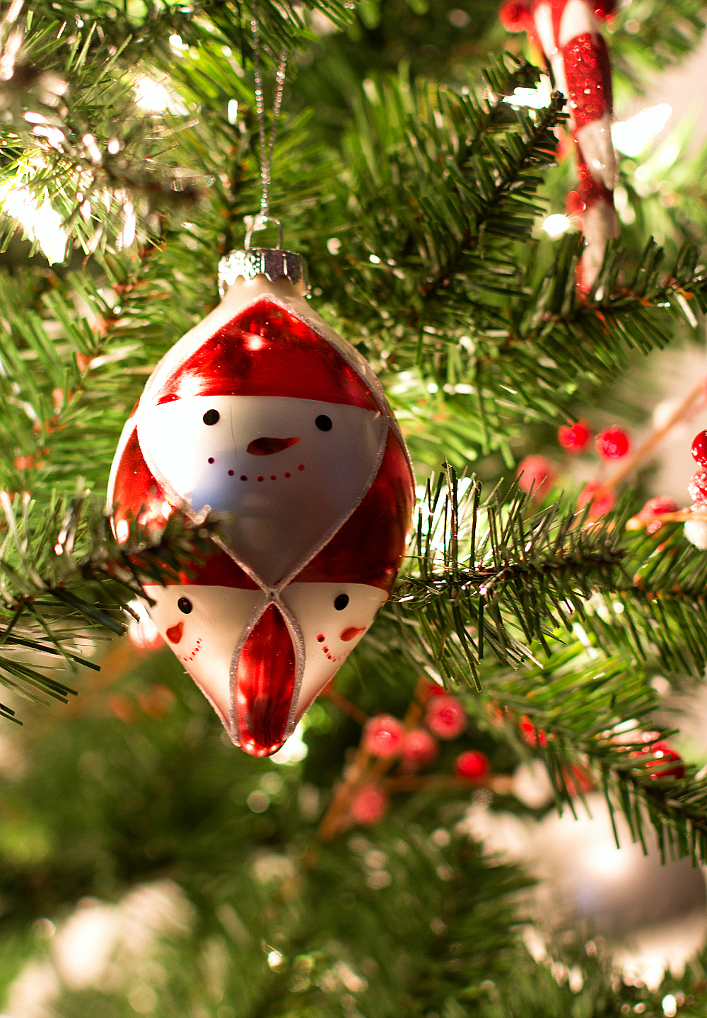 Red and White Christmas Tree Ornaments