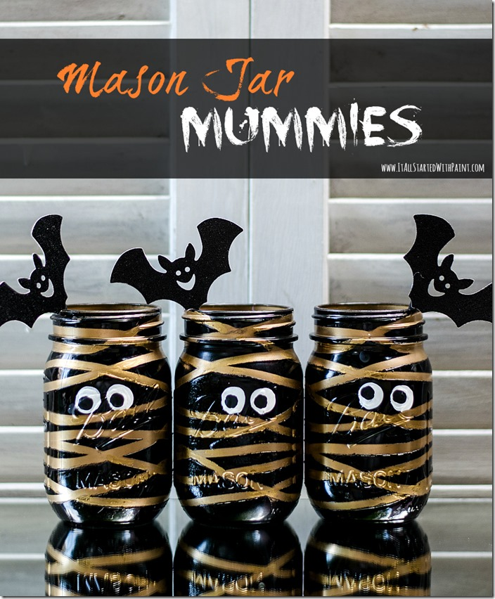 Mason Jar Halloween Craft: Mummy Mason Jars