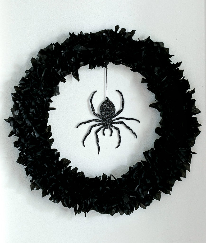 Halloween Craft Ideas: Spider Wreath