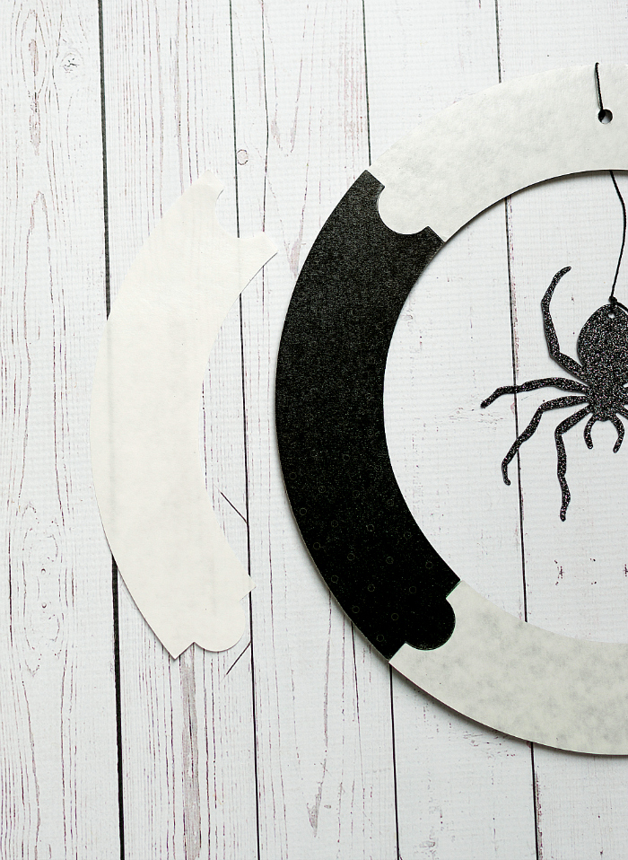 Halloween Craft Ideas for Wreath: Spider Wreath