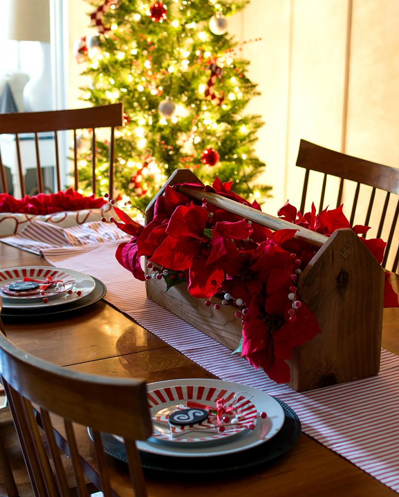 Red & White Table Setting Ideas
