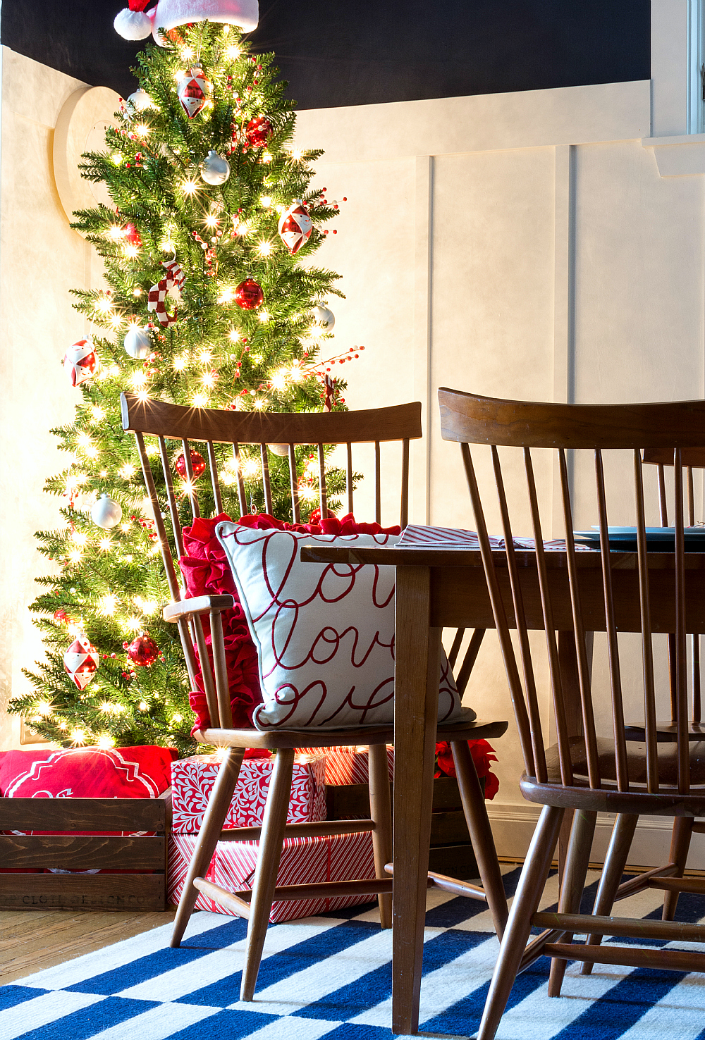 Red & White Christmas Decor