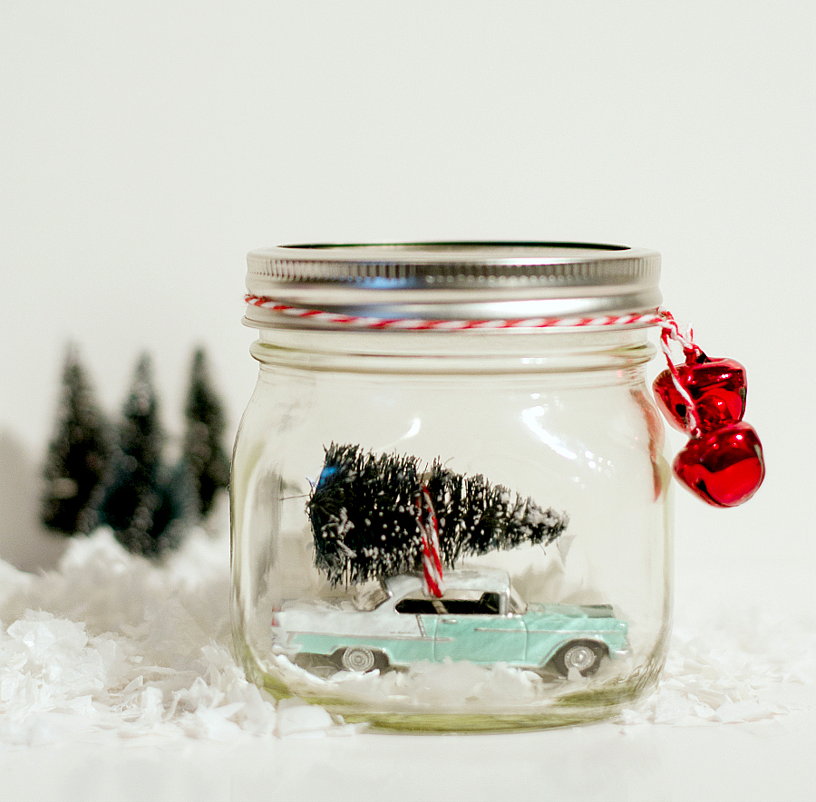 Christmas Crafts: Vintage Car Snow Globe