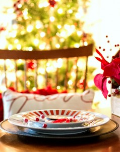 Red White Black Holiday Table Setting Idea