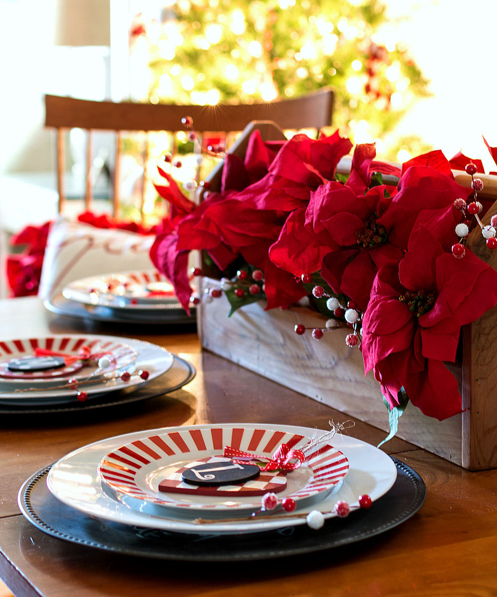 Christmas Table Setting in Red and White and Black
