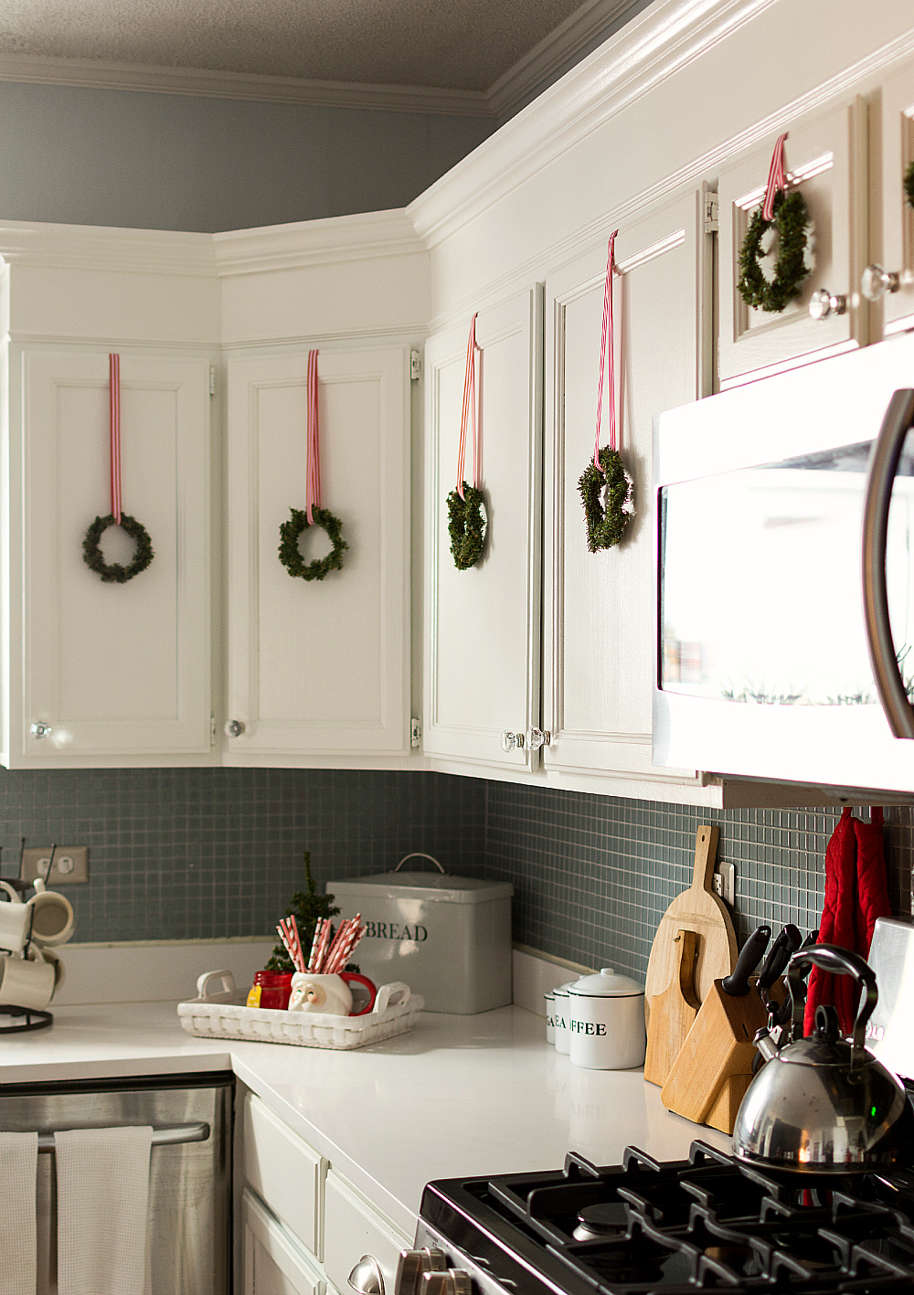 christmas in the kitchen - Christmas Decorations For Kitchen Cabinets