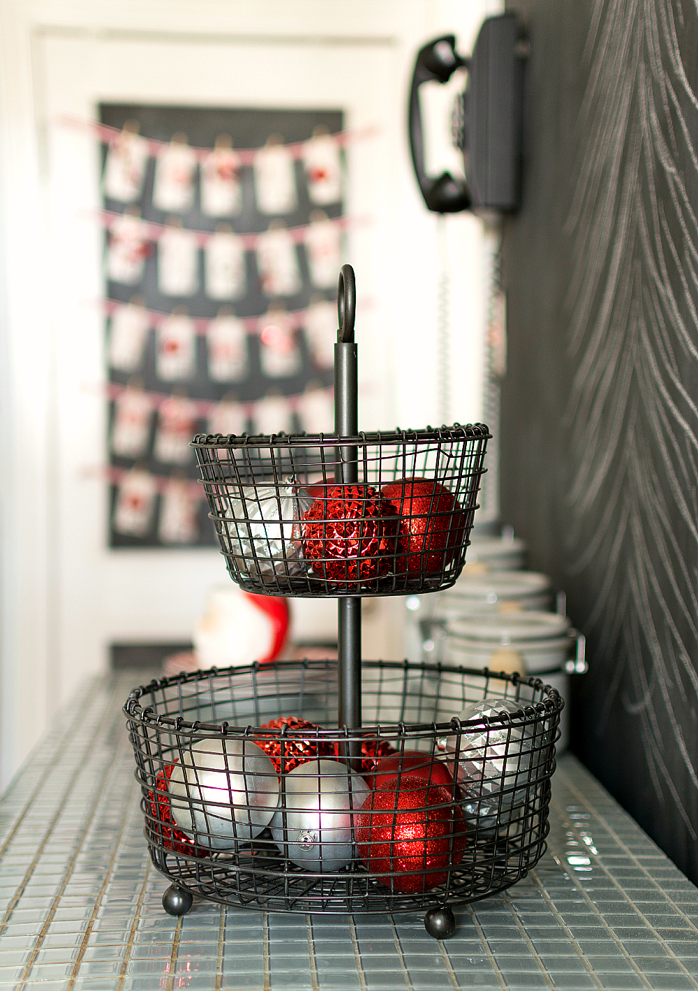 Christmas In The Kitchen: Red, White, Silver, Black