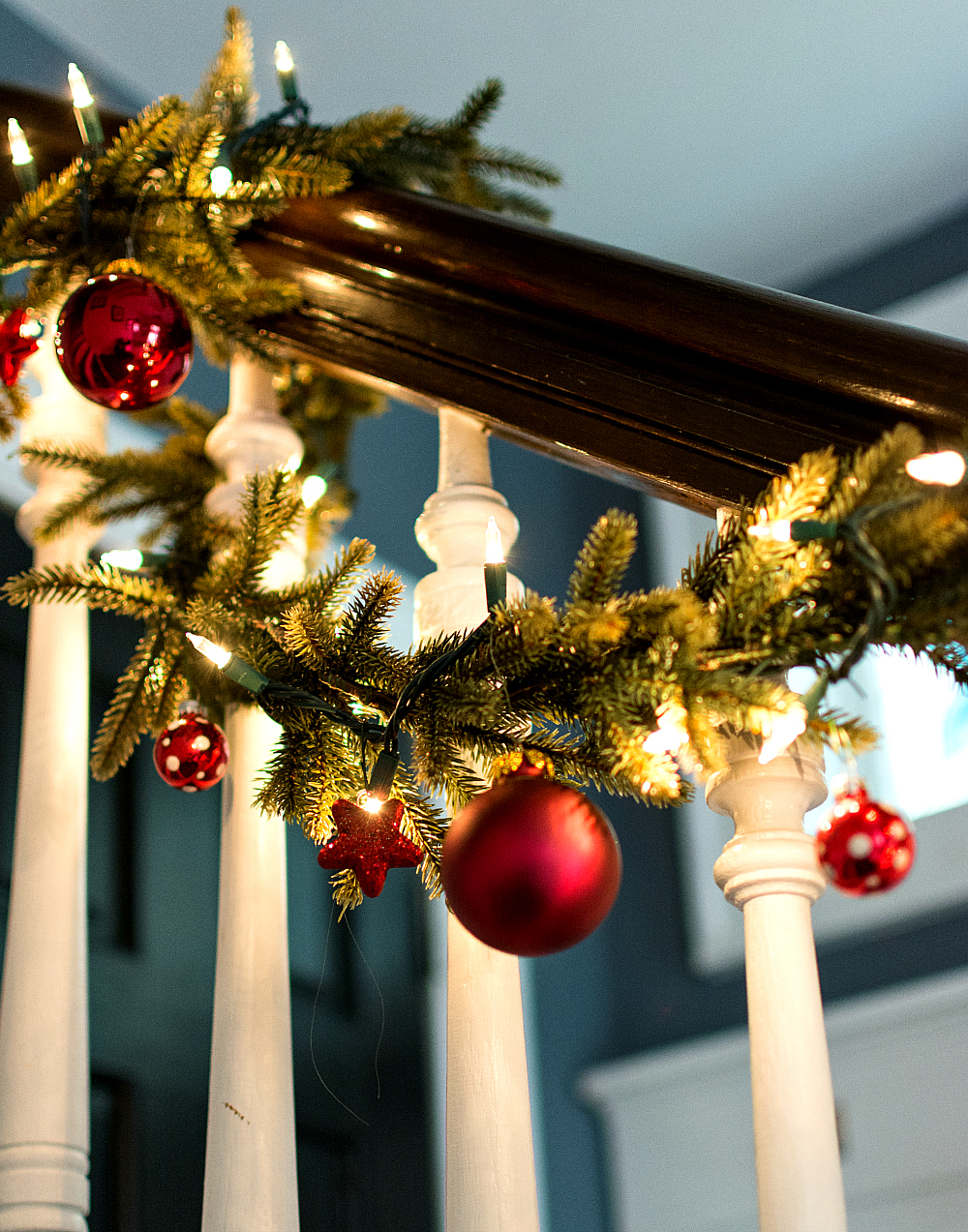 How To Decorate Garland with Ornaments
